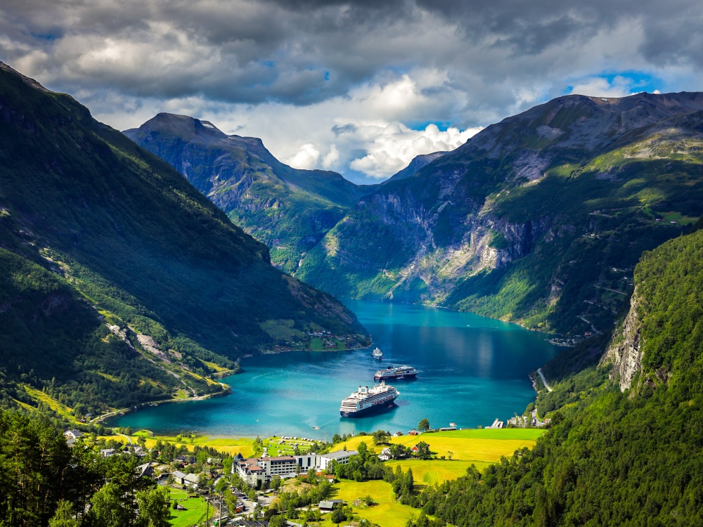 Time Free in Norway - Family Beautiful